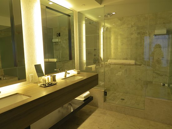 Double sink and stand in shower - Picture of Ocean Resort Casino ...