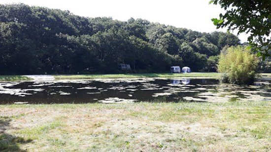 Plouarzel, France: l'étang du camping