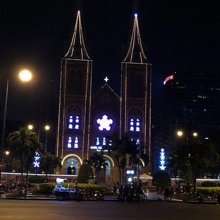 Saigon Notre Dame Cathedral: photo1.jpg