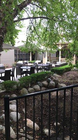 Courtyard Ann Arbor-billede
