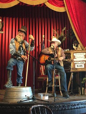 Murdo, SD: 1880's Town Saloon show ....