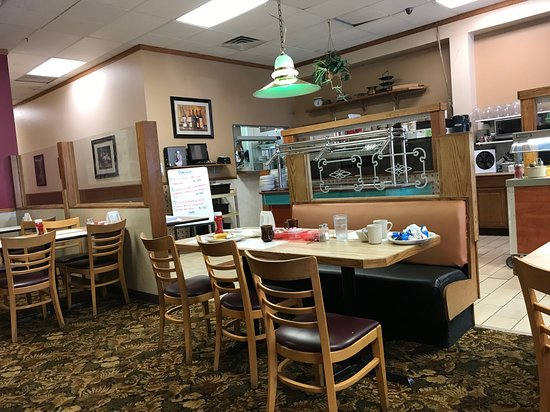 Saint Johns, MI: Dining area