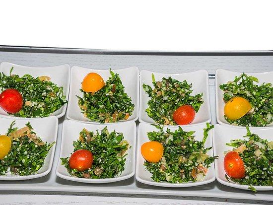 Ducos, Martinique: Tabouleh Salade typique libanaise à base de persil, oignons, tomates, citron, huile d'olive, men