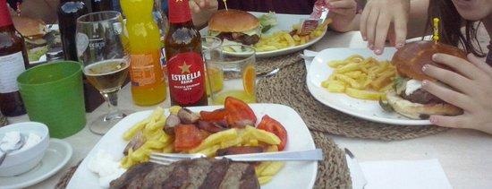 Caimari, Spain: Hamburguesa y entrecot
