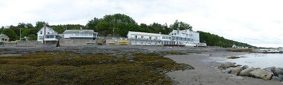Notre-Dame-du-Portage, Canada: Vue arriere prise sur la grève du fleuve St-Laurent
