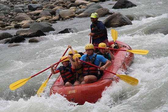 H2O Fluvial in the midst of the rapids! - picture of h2o adventures, manuel