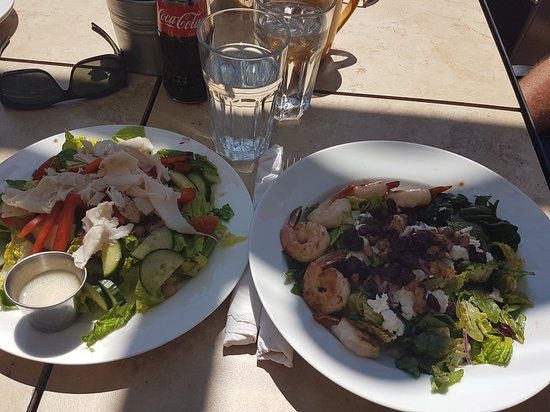 Stonefire Pizzeria: Great Salads
