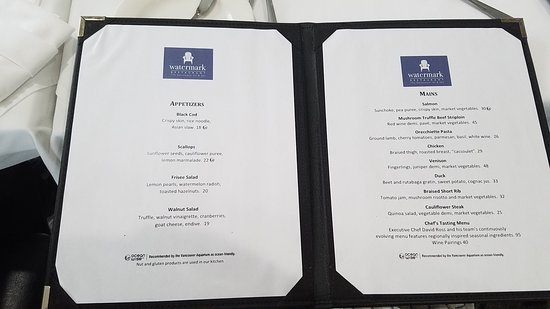 Watermark Restaurant at The Gananoque Inn Photo