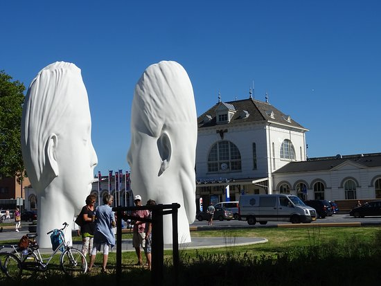 "Fontein""Love by Jaume Plensa"""