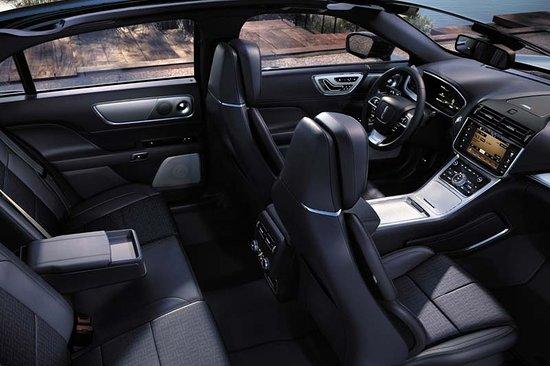 Showcase Limousines: Spacious luxury sedans with elegant interiors