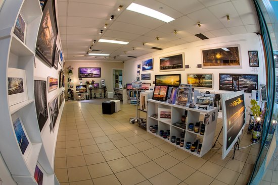 Urangan, Australia: Inside the Elfotography Hervey Bay gallery Showcasing the Spectacular Scenes of Hervey Bay.