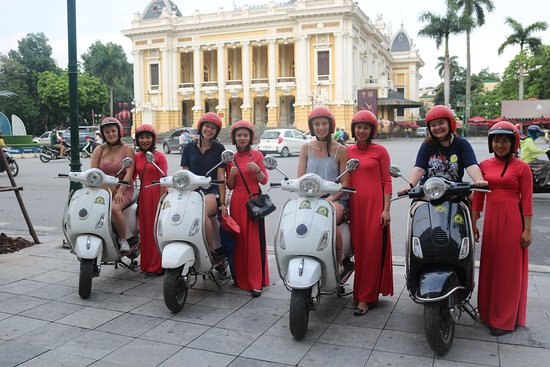 Hanoi Female Vespa Tours