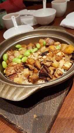 台中漢來海港旁的蔬食餐廳