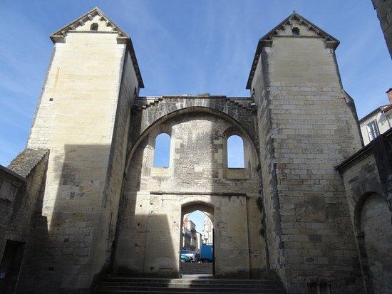 Cathedrale St-Front: L'église