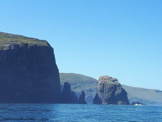 Benbecula Island, UK: On the boat to Mingalay