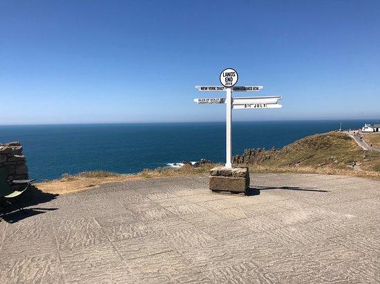 Land's End Landmark: The famous distance post