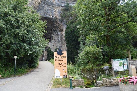 La Balme-les-Grottes, Frankreich: the entrance