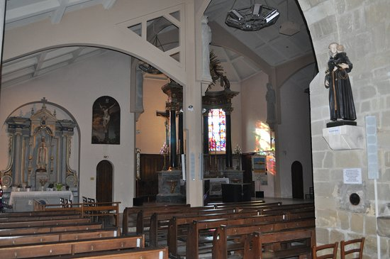 Église Saint-Jean-Baptiste: Inside