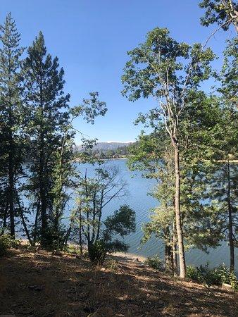 Crestline, CA: View of the lake