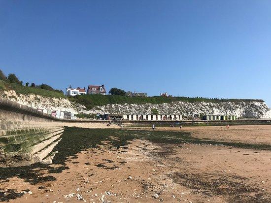 Dumpton Gap: SANDY BEACH