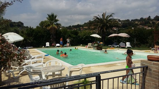 Campofilone, Italie : 20180715_115359_large.jpg