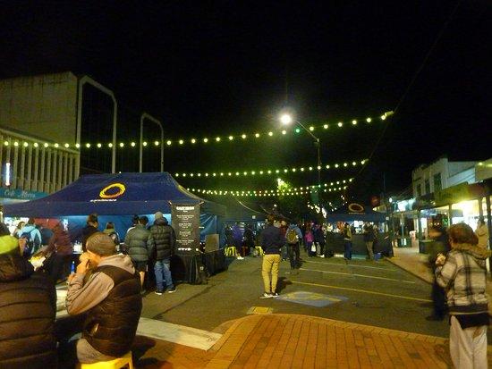 Regent of Rotorua: Thursday Street Food Night 5 min walk from hotel