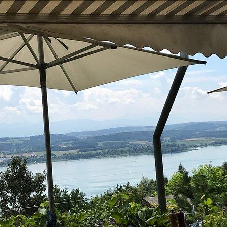 Lugnorre, Switzerland: Pomme nature au beurre ou beurre au pomme de terre?
