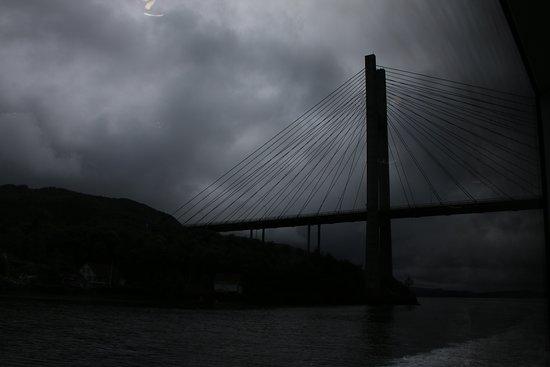Roedne Fjord Cruise: Nordhordlandsbrua