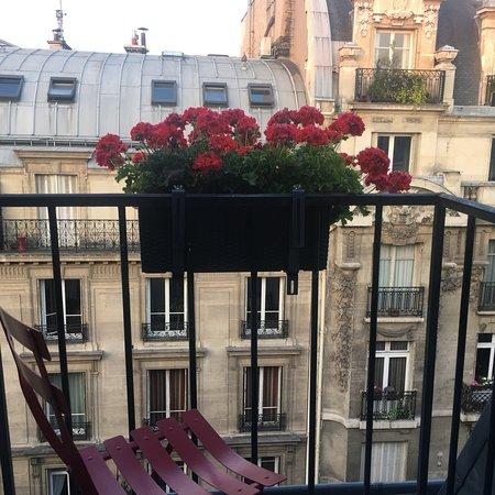 New Orient Hôtel : Balconcino hotel stupendo...peccato per le scale che sono molto strette e con le valige si fa fa
