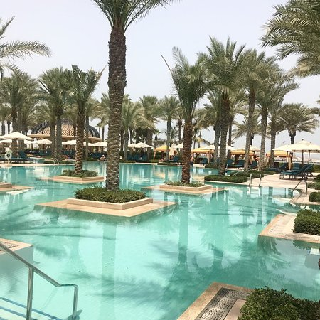 The most amazing scenery, service and food in Dubai!