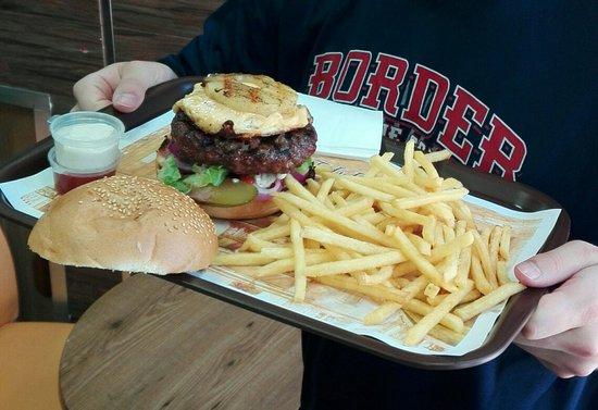 Baha's Burger: 120 G = 25NIS