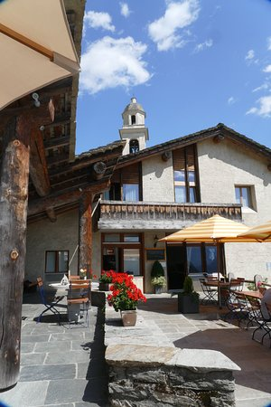 Soglio, Swiss: The outdoor eating / drinking area.