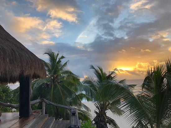 North Island, Seychellerna: Villa 11 at dawn