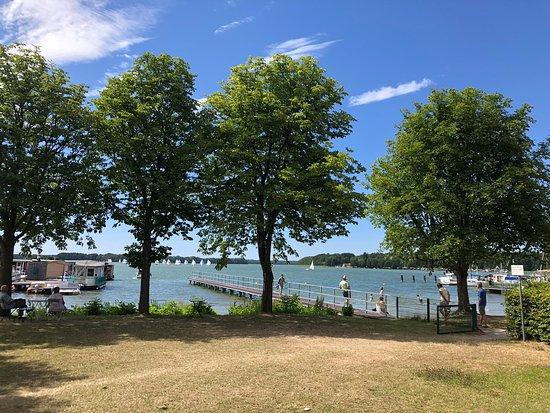Lindow, Duitsland: Blick vom Zimmer auf den See