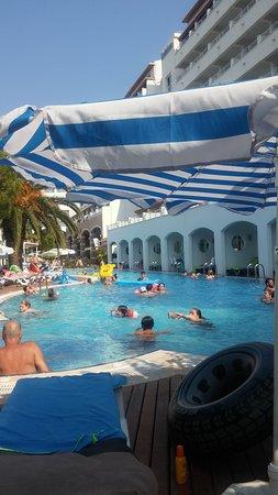 Pool Beach 213
