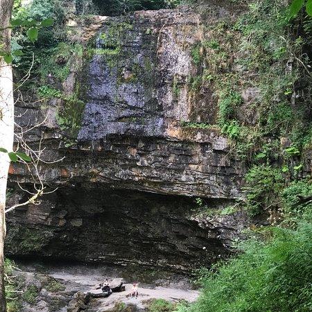 Foto de Henrhyd Waterfall