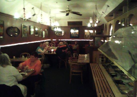 Hazleton, Pensilvania: Inside Benito's Restaurant