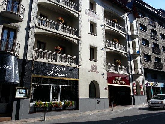 Hotel Pyrenees ภาพถ่าย