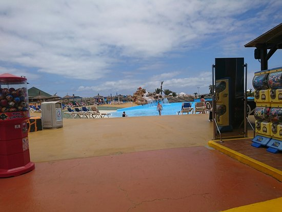 Acua Water Park: DSC_2077_large.jpg
