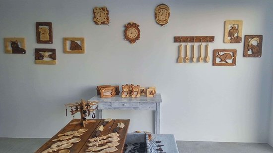 Sarakas Wood Carving Work Shop
