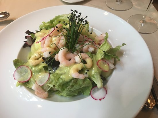 Restaurant Frohegg: Grüner Salat mit Melone und Shrimps an Limettendressing