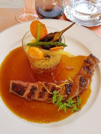 Aubigny-sur-Nere, França: plat