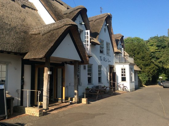 Grantchester, UK: Lovely thatched roof and lots of space inside