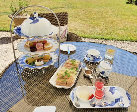Tickton, UK: Afternoon Tea with Gin