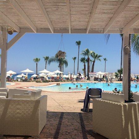 Marlita Beach Hotel Apartments Photo