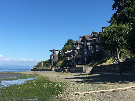 Inn at Langley: View from the beach