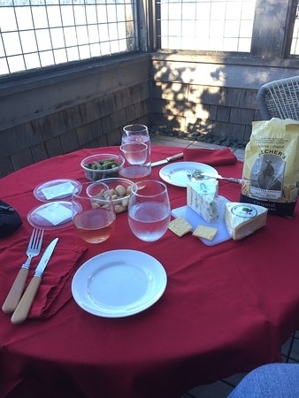Inn at Langley: Our own snacks and wine on the balcony