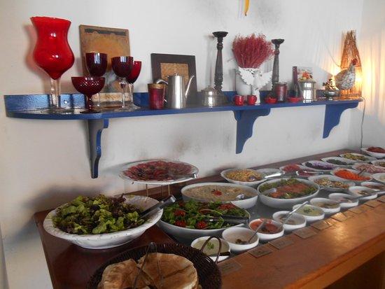 Cambuquira, MG: Bastante varidade de saladas e molhos.