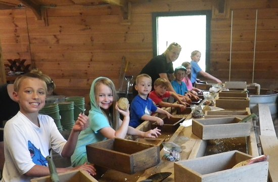 Elijah Mountain Gem Mine: Fabulous fun