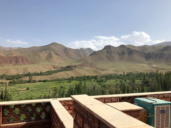 Abyaneh, Iran: A great view of a picturesque valley